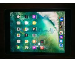 Original Apple i Pad 5th Gen 32 GB