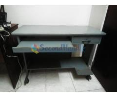 Steel computer Table with Wheels