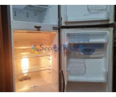 LG 242 Refrigerator to sell