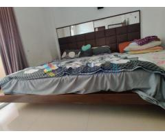 MAHAGONI KING SIZE BED