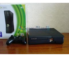 Xbox 360 Slim (only 2 week used)