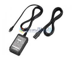 Sony CCD-TRV438E Handy Cam for sale with all Accessories.