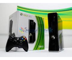 XBOX 360 250GB with 8 month warranty‏