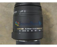 Sigma 18 to 250 mm zoom camera lense for Nikon
