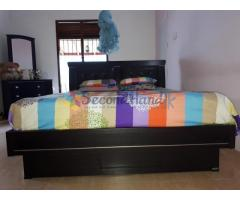 Damro Bedroom Set