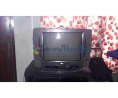 Used LG 21 INCH tv(not flat)